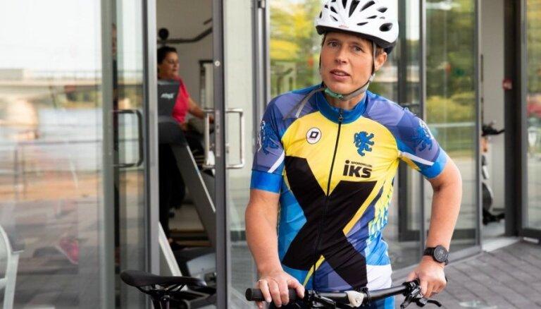 """Спортивный президент! Керсти Кальюлайд проехала сложнейший этап """"Тур де Франс"""""""