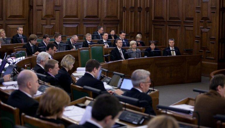 Saeima atceļ aizliegumu mazo algu maksātājiem piedalīties valsts iepirkumos