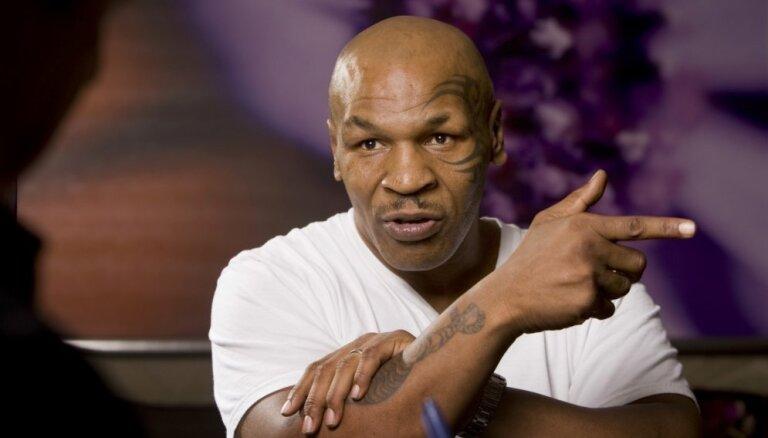 Taisons 54 gadu vecumā atgriezīsies ringā astoņu raundu cīņā
