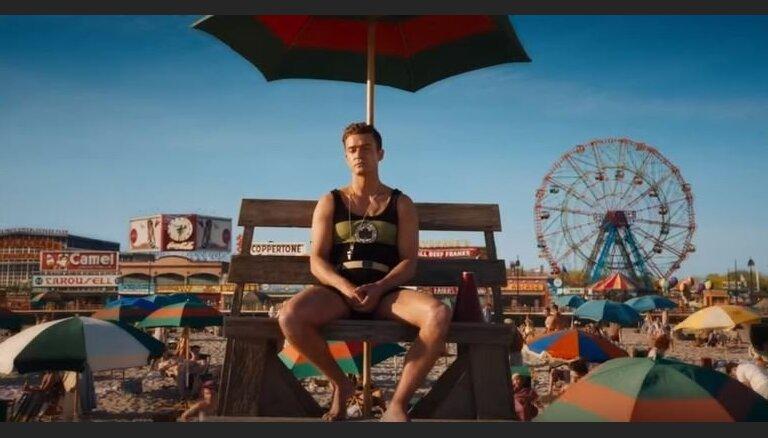 Noskaties! Publicēts Vudija Alena jaunākās filmas 'Brīnumu rats' treileris
