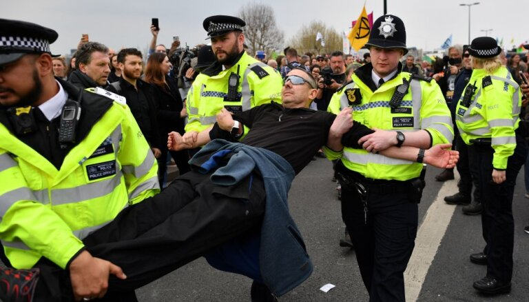 В Лондоне задержаны больше 120 участников протестов