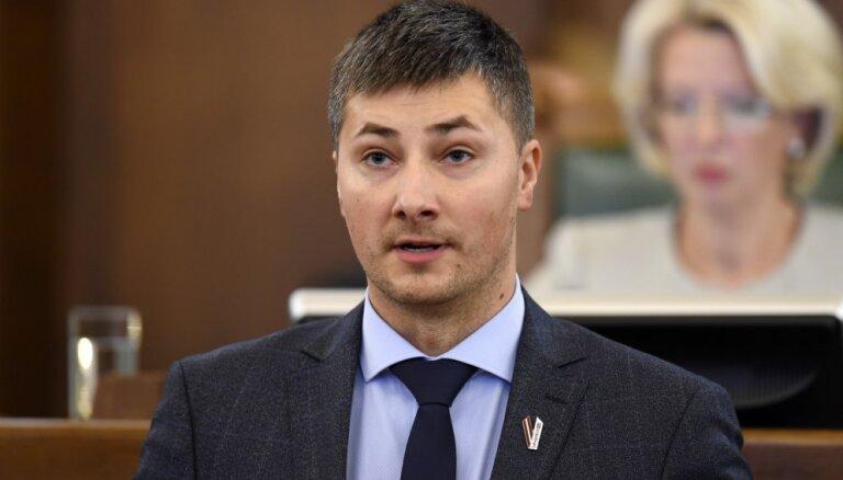 Комиссия Сейма грозит начать расследование, если Ушаков не покажет ей результаты аудита в Rīgas satiksme
