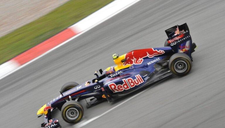 'Red Bull' izcīna dubultuzvaru Malaizijas GP
