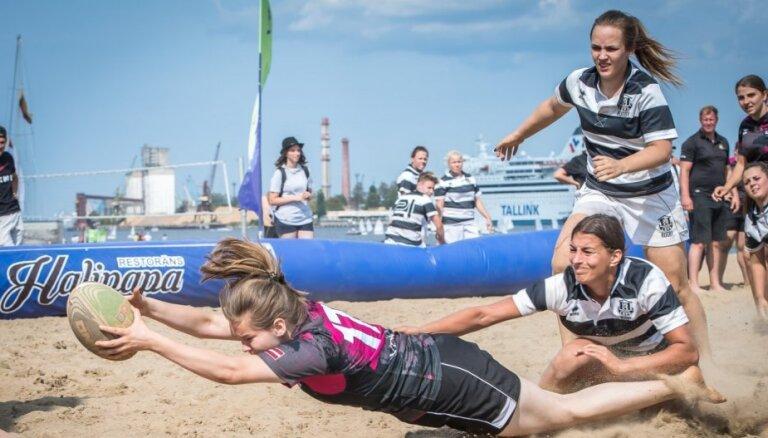 Foto: Regbistu cīņas Ķīpsalas pludmalē kuplina Rīgas pilsētas svētkus