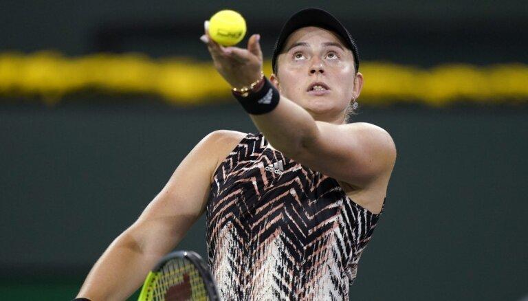 Ostapenko piekāpjas Indianvelsas WTA '1000' sērijas turnīra pusfinālā