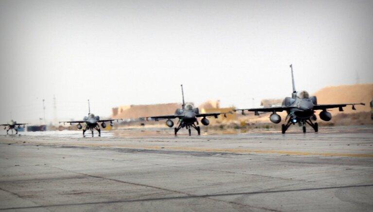Slovākija iegādāsies ASV iznīcinātājus F–16