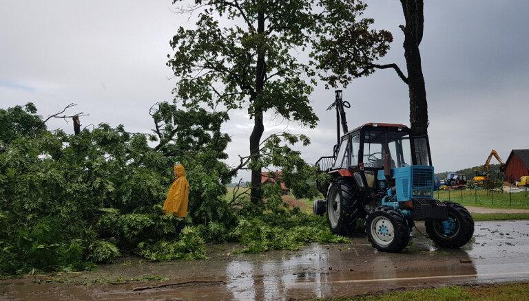 Foto un video: Vēja nedarbi Latvijā aculiecinieku acīm