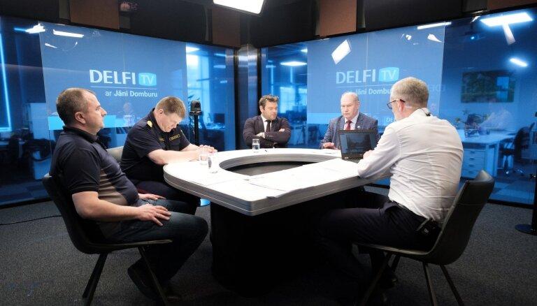 'Delfi TV ar Jāni Domburu': atbildīgie diskutē, vai Deglava tilts slēgts pamatoti