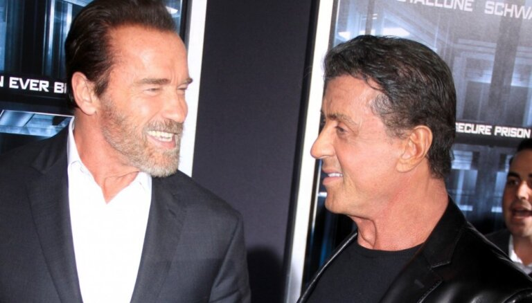 Stallone atzīst, ka vēlējies nožņaugt Švarcenēgeru