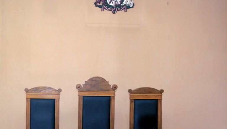 Tiesai nodod klostermāsas slepkavības lietu