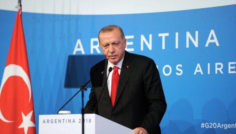 Erdogans AKP pašvaldību vēlēšanu neveiksmē vaino 'organizēto noziedzību'