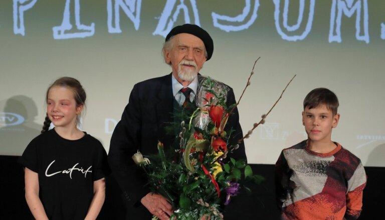 'Bēbīšseansos' aicina noskatīties jauno Ivara Selecka dokumentālo filmu 'Turpinājums'