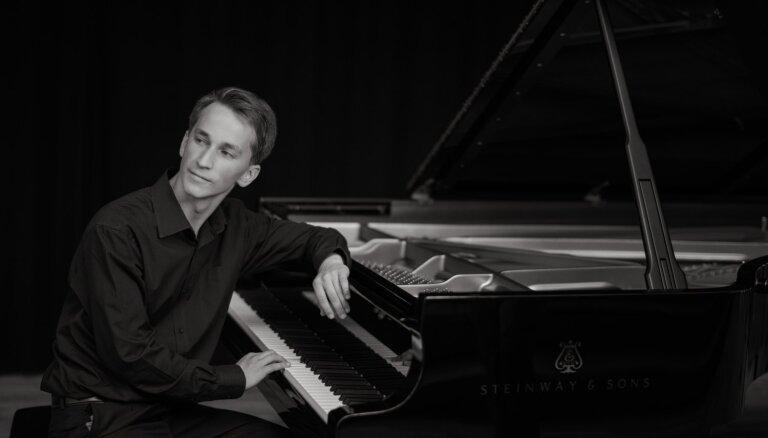 Rudens kamermūzikas festivāla atklāšanā Daumants Liepiņš atskaņos Bēthovena klaviersonātes
