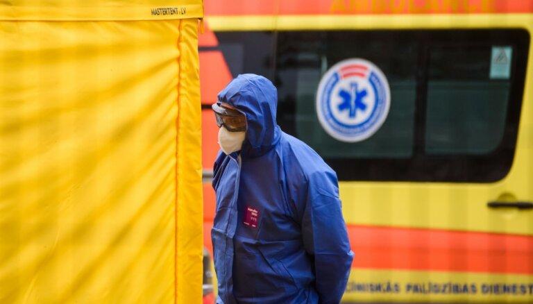 Перевощиков: у двух жителей Латвии после исчезновения симптомов все равно констатирован вирус Covid-19