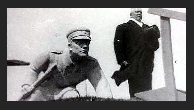 Atrasta unikāla piemiņas plāksne Latvijas armijas uzvarai pār lieliniekiem