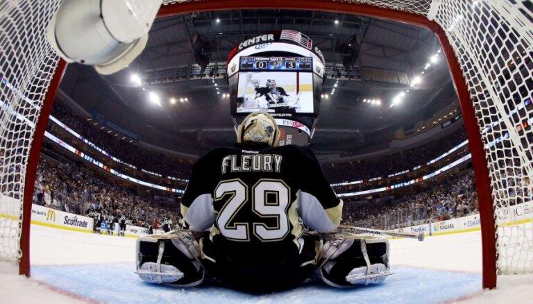 Pitsburgas 'Penguins' vārtsargs Flerī pagarina līgumu ar klubu uz četriem gadiem