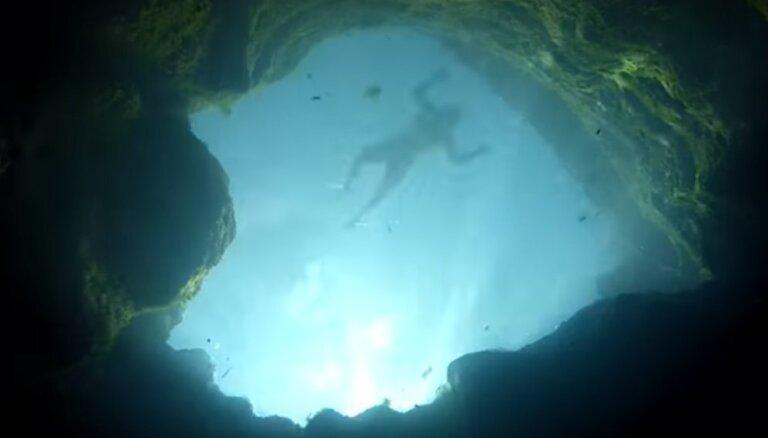 Zemūdens alu sistēma un paradīze pārgalvjiem: viena no bīstamākajām niršanas vietām pasaulē