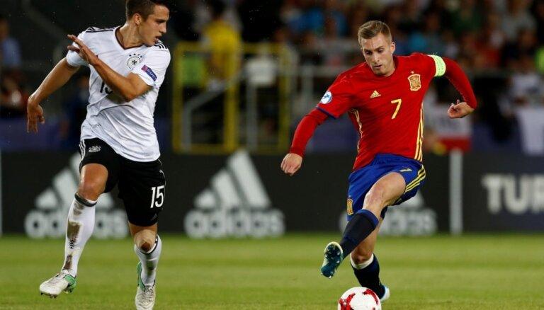 Neimara vietu 'FC Barcelona' spēlē pret 'Real Madrid' ieņems Deulofeu