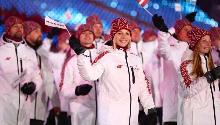 ФОТО: Латвийские спортсмены поучаствовали в параде олимпийцев