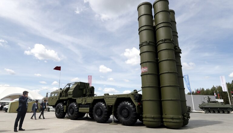 Turcija saņēmusi pirmo Krievijas S-400 raķešu sūtījumu
