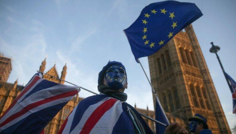 VID tautiešus Lielbritānijā aicina rēķināties ar bezvienošanās 'Brexit' sekām