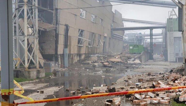 В Клайпеде произошел взрыв на крупном предприятии по деревообработке: есть пострадавшие