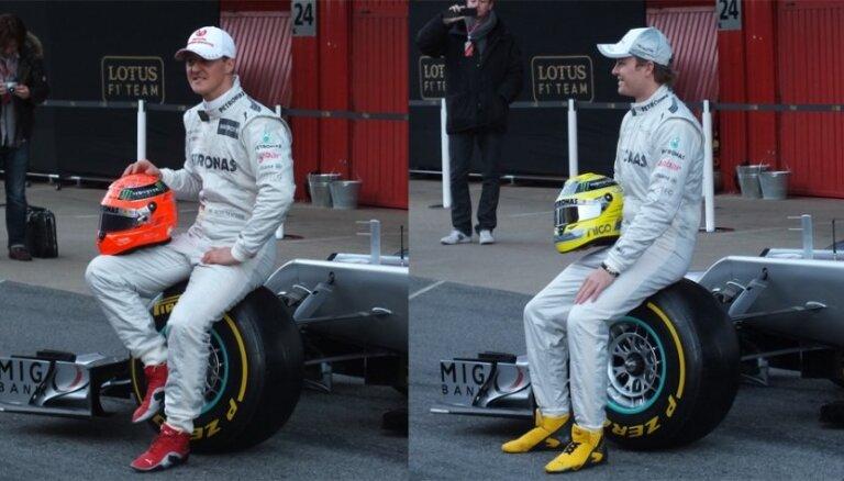Rosbergs uzvar kvalifikācijā Ķīnā, 'Mercedes' startēs no pirmās rindas