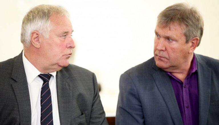 Tiesa atzīst Loginovu un Pečaku par vainīgiem dienesta stāvokļa ļaunprātīgā izmantošanā