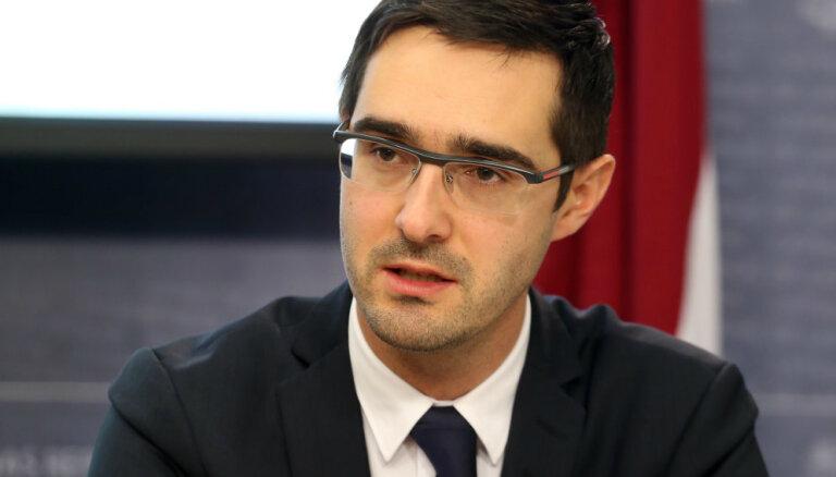 EM valsts sekretāram Lazdovskim atņemta pielaide valsts noslēpumam