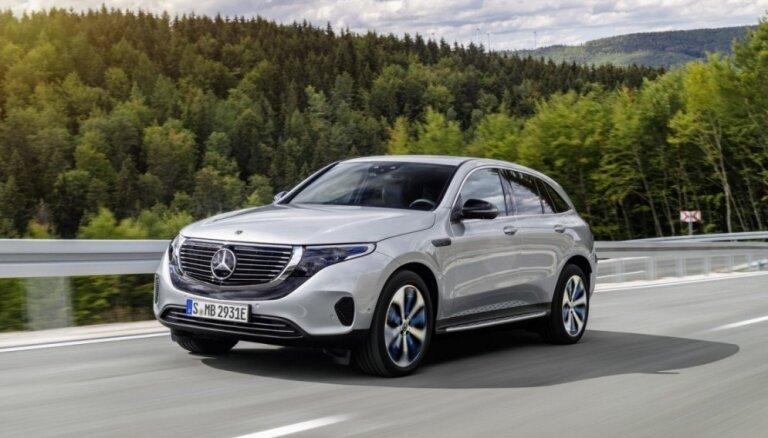 'Mercedes' prezentējis savu pirmo sērijveida elektrisko apvidnieku 'EQC'