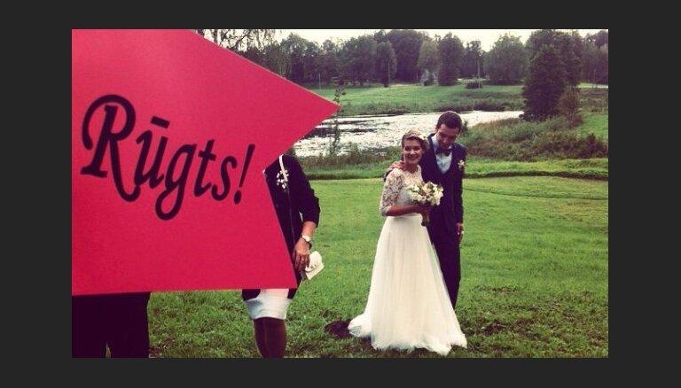 Draugi dalās ar Ritovas kāzu spilgtākajiem kadriem