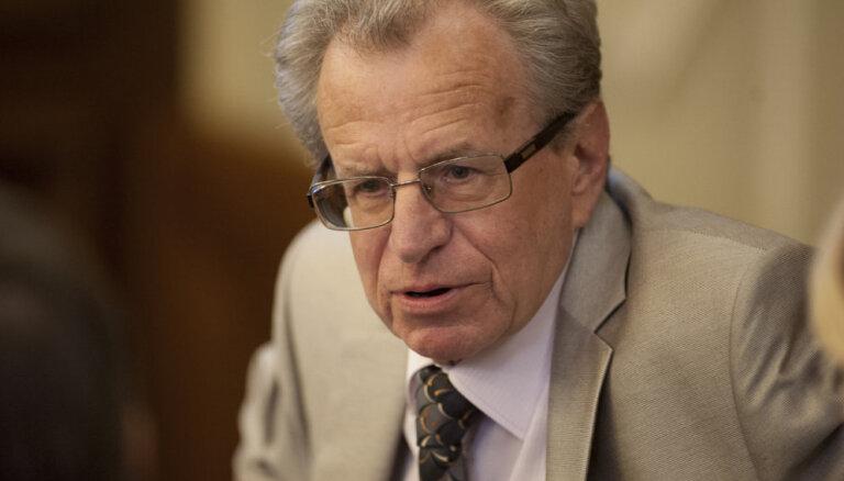 Lai nodrošinātu trauksmes cēlēju aizsardzību, Saeimas komisija plāno veidot savu likumprojektu