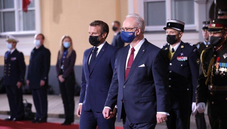 Макрон в Риге: нужно налаживать стратегический диалог с Россией