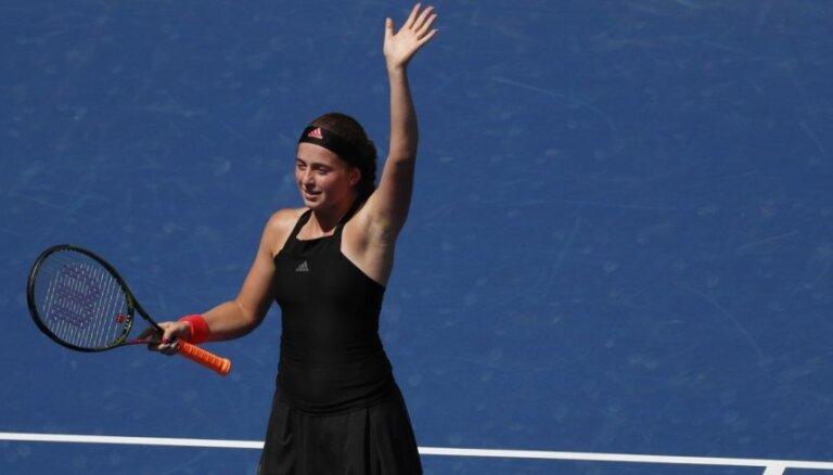 Ostapenko uzzinājusi savu pirmo pretinieci Šeņdžeņas tenisa turnīrā