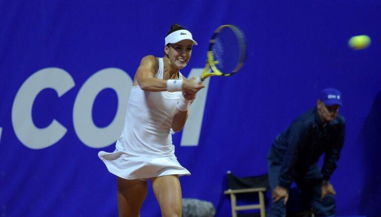 Ostapenko uzvarējusī Pera patīkami pārsteigta par vietējās publikas atbalstu viņai