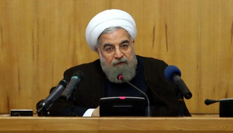 Irāna varētu atsākt urāna bagātināšanu 'bez ierobežojumiem', saka Ruhani