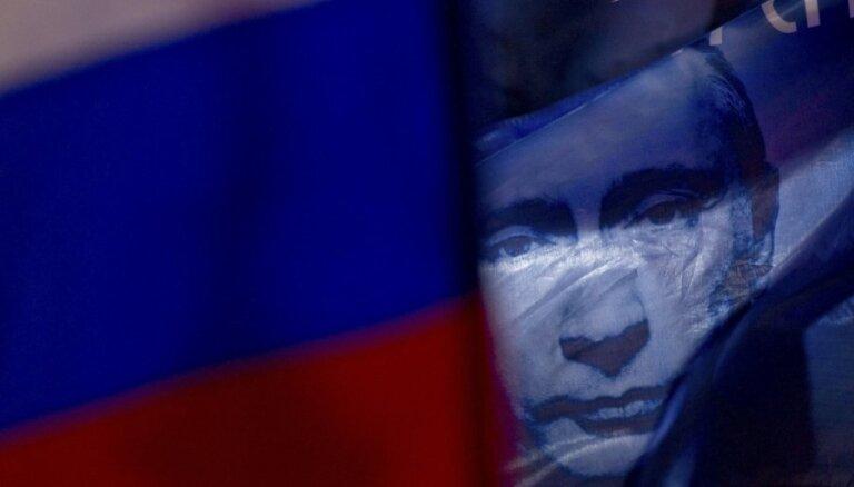 Krievijā gaidāma stingrāka opozīcijas apkarošana, norāda eksperti
