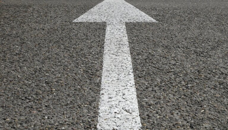 Aizvadītajā diennaktī reģistrēti 118 ceļu satiksmes negadījumi; Krāslavas novadā gājis bojā cilvēks
