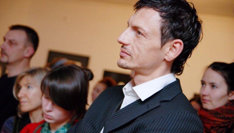 Roberts Klimovičs tiesājas ar bijušo sievu par alimentiem