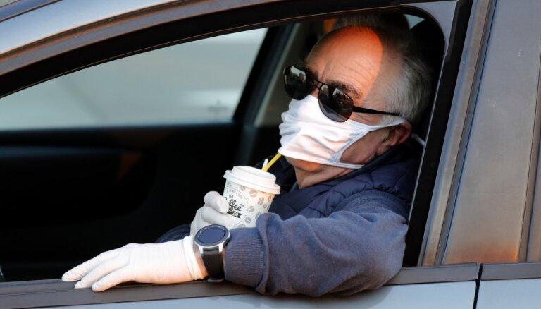 Nāvējošāks un 'lipīgāks': kas atšķir Covid-19 no sezonālās gripas