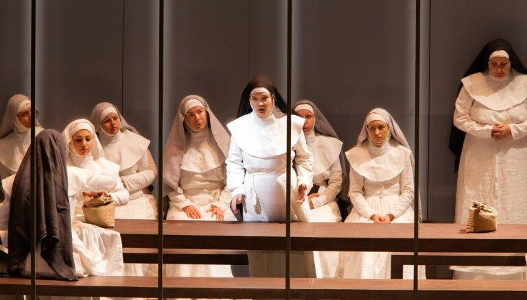 Nāves poēzija. Pulenka operas 'Karmelīšu dialogi' pirmizrādes recenzija