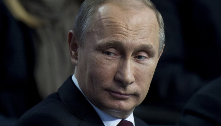 Путин запретил мат в СМИ и произведениях искусства
