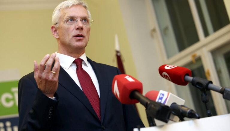 Premjers uzdod sākt Latvijas finanšu sektora kontroles reformu