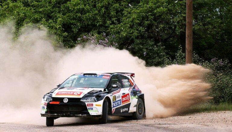 'Rally Liepāja' pirmās dienas finišā ātrākais Olivers Solbergs