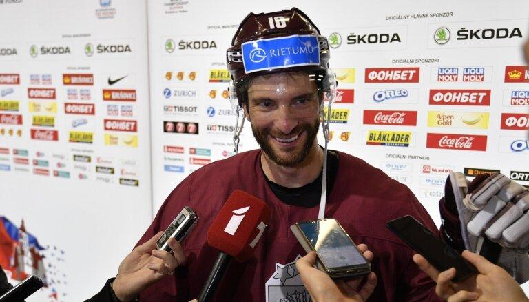 Lauris Dārziņš atzīts par gada labāko hokejistu