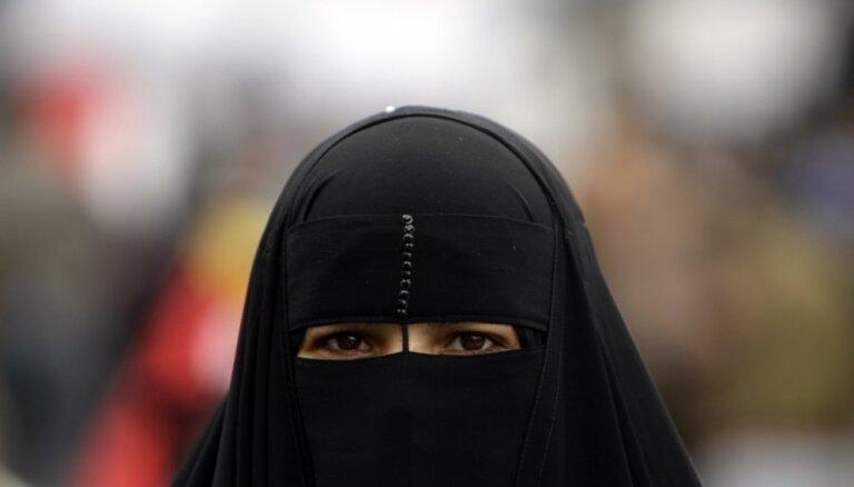 Dānijā piespriests pirmais naudassods par nikāba valkāšanu