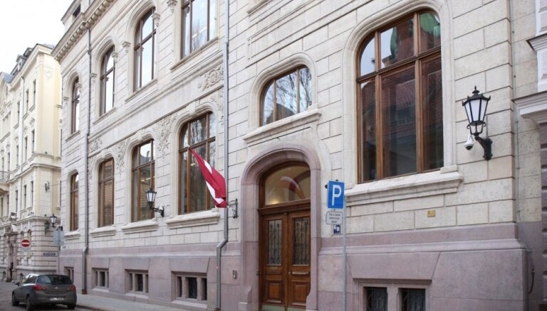 Saeimas ēkas Jēkaba ielā 6/8 fasāde tiks pilnībā atjaunota