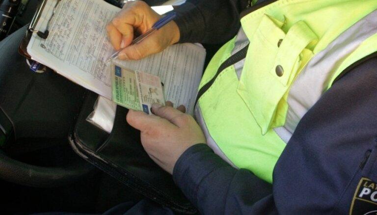Sestdien policija notvērusi 169 ātruma pārsniedzējus