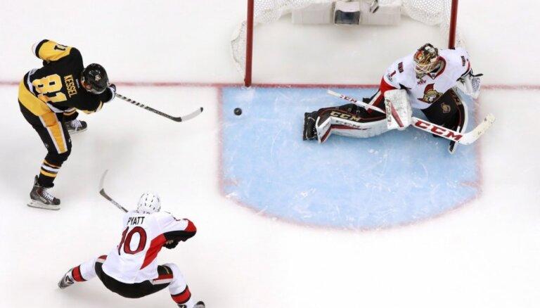 Pitsburgas 'Penguins' iespaidīgi sagrauj 'Senators' Stenlija kausa spēlē