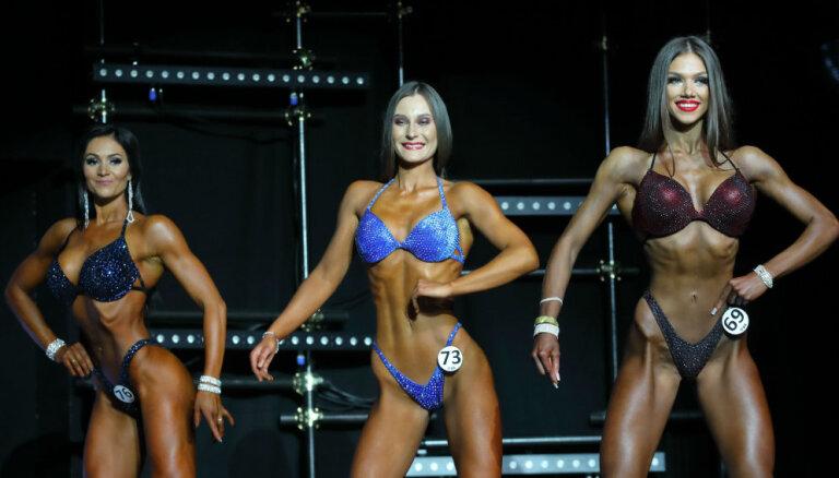 Foto: Rīgā aizvadīts bikini skaistuļu konkurss